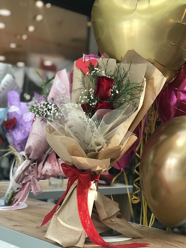 Madame Cvećara | 3 crvene ruže