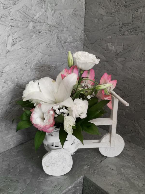 Neobični cvetni aranžman