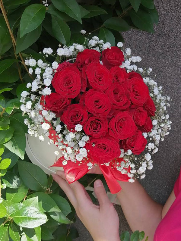 Ruže u flower boxu